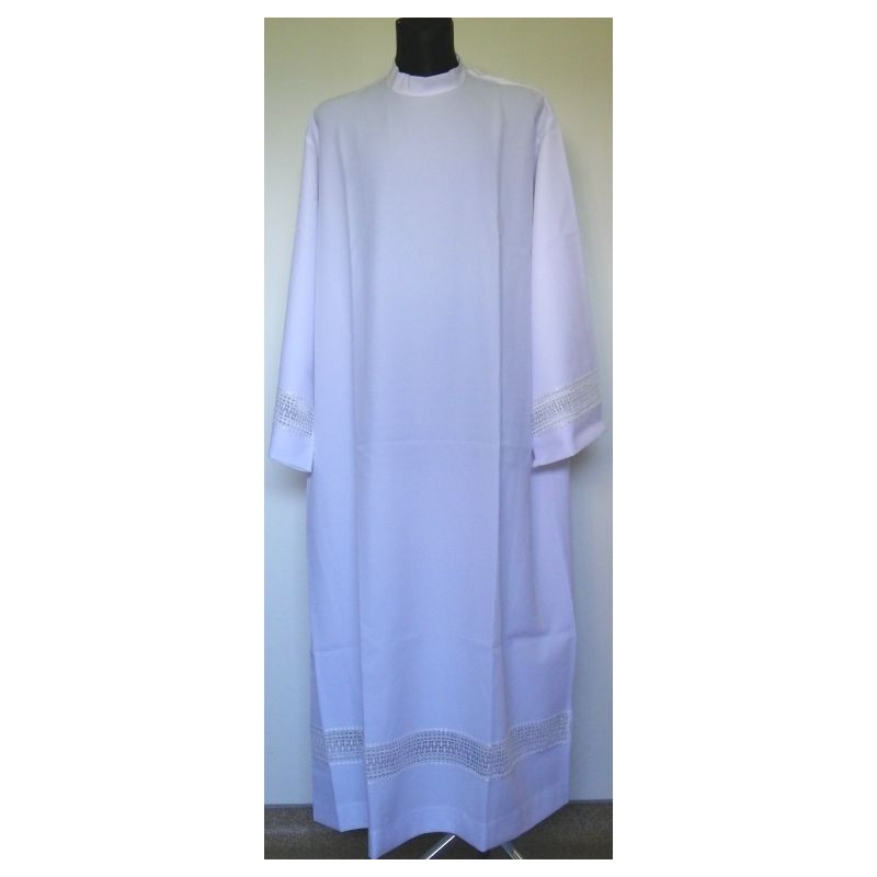 Clergy alb with decorative guipure (31)