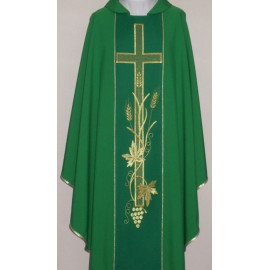 Chasuble with computer embroidered belt (654)