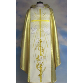Wedding chasuble with a wide golden belt