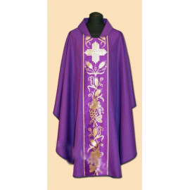 Embroidered chasuble (28A)