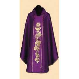 Embroidered chasuble (25A)