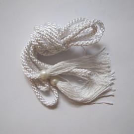 Decorative white cincture