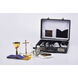 Travel set for a priest - suitcase of a celebrant (6)